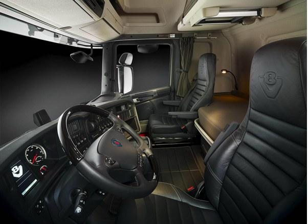 Scania V8 cab interior. Photo: Göran Wink 2010 *** Local Caption *** Ansgar Bauma2010